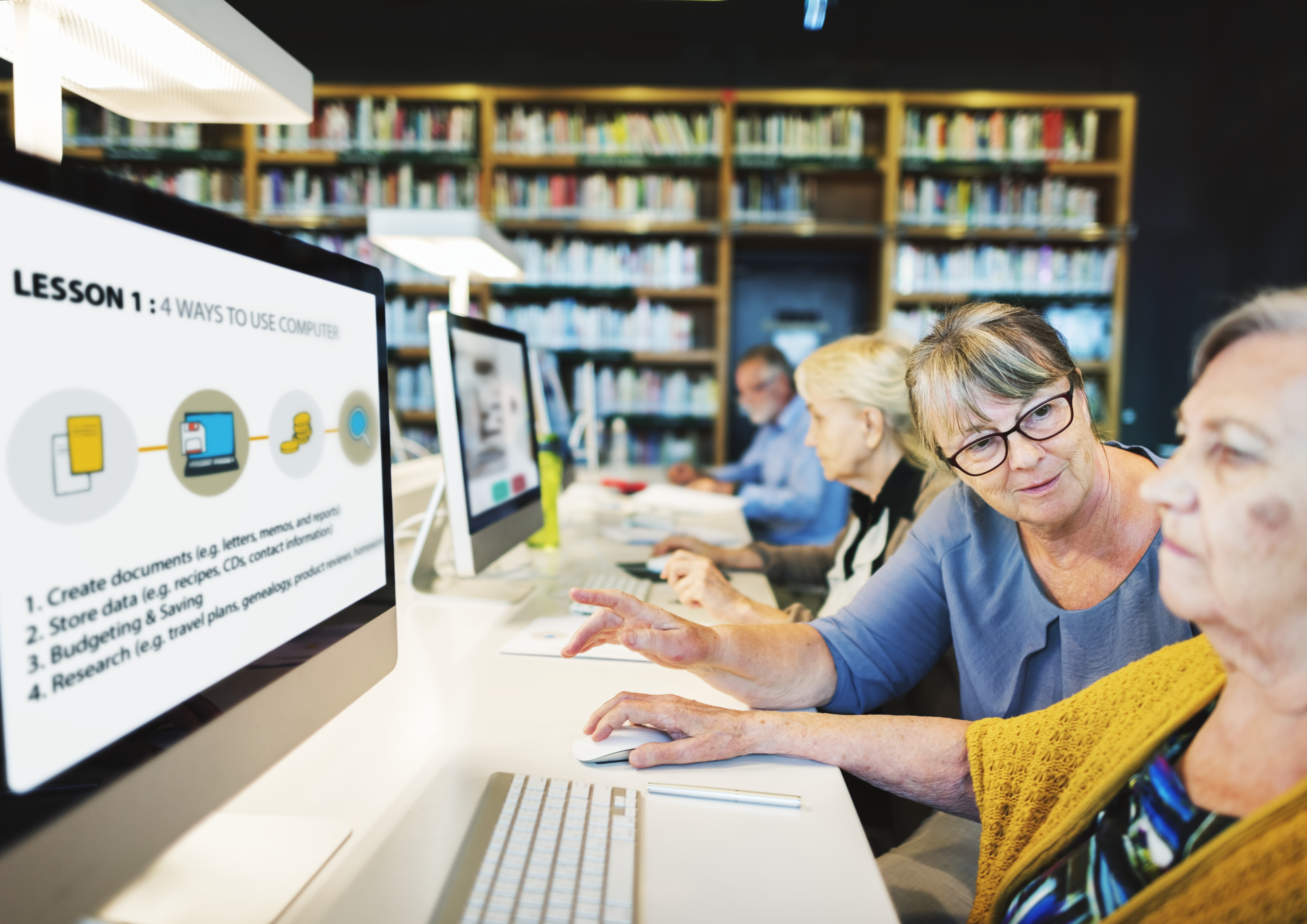 computer-and-technology-class-for-senior-citizens-EJ4GV5G
