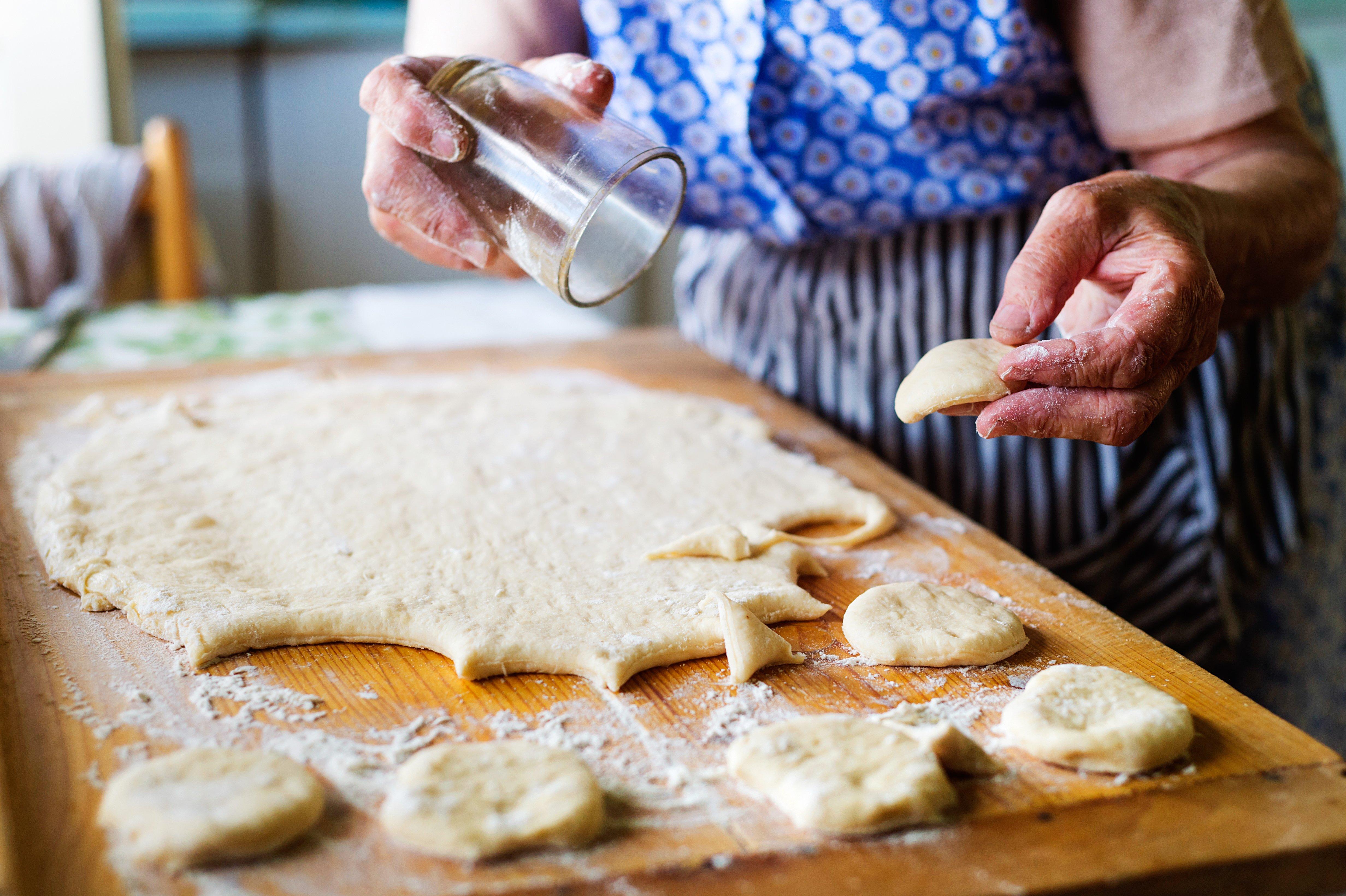 senior-woman-baking-